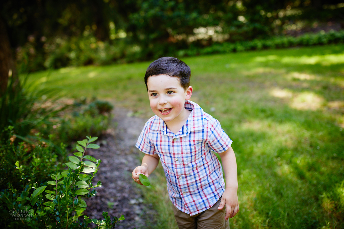 The M Family: Backyard Portrait Session in Willoughby Hills