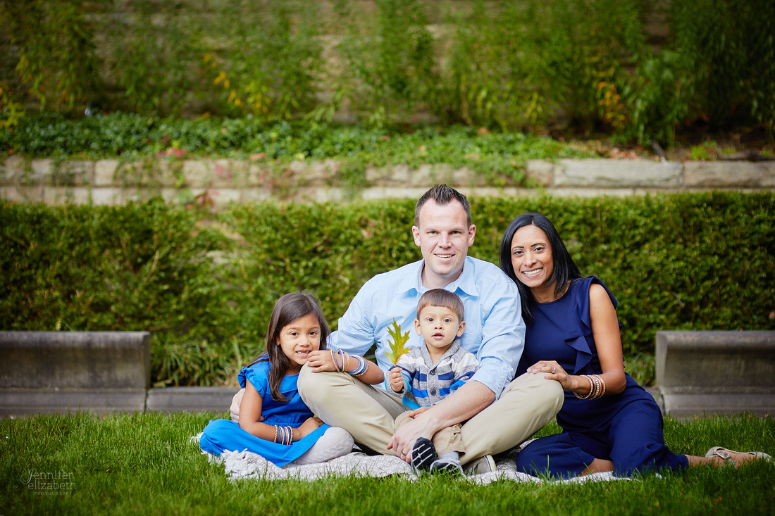 The G Family: Portrait Session at the Irish Cultural Garden