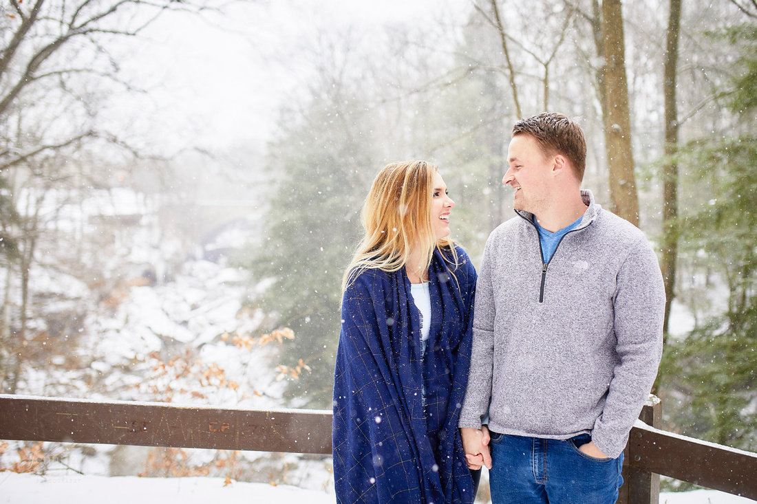 Emily & Brett: Winter Engagement in Brecksville Reservation