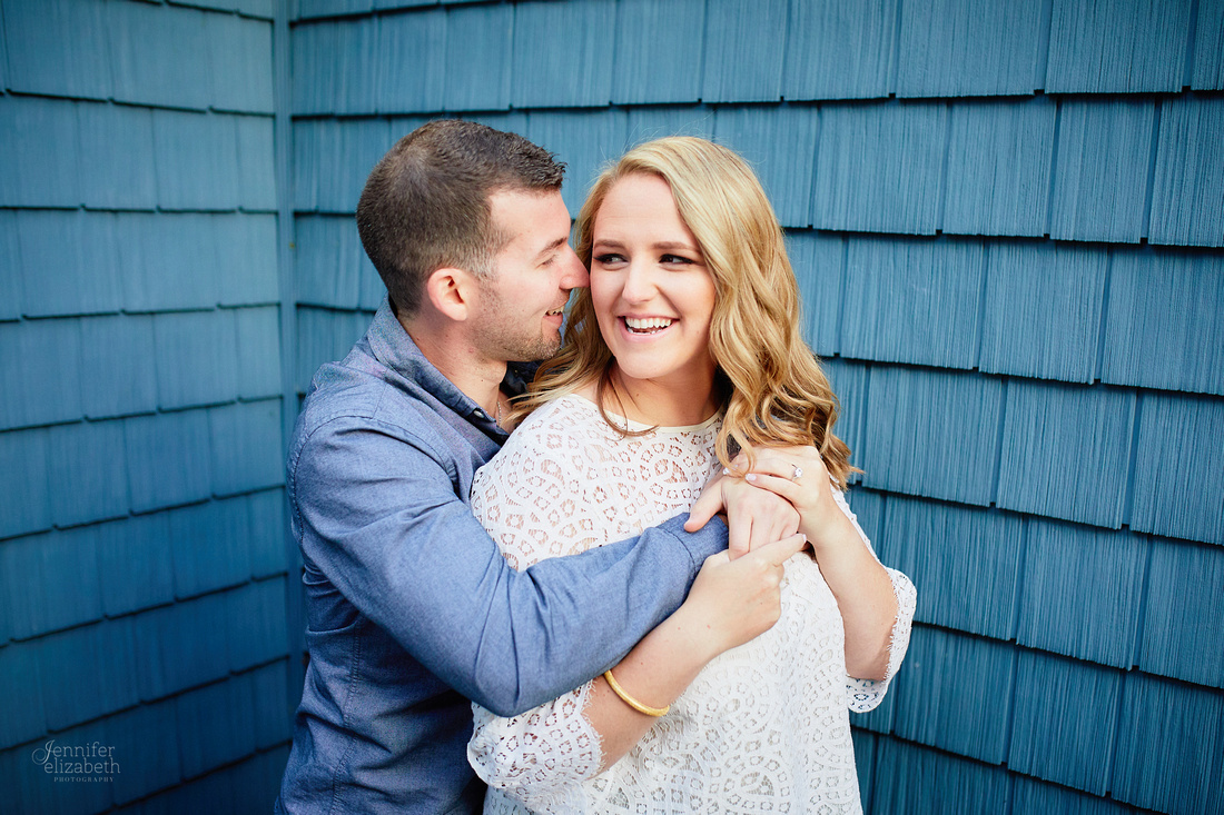 Jordyn & Joe: Engagement Session in The Flats and Cultural Gardens