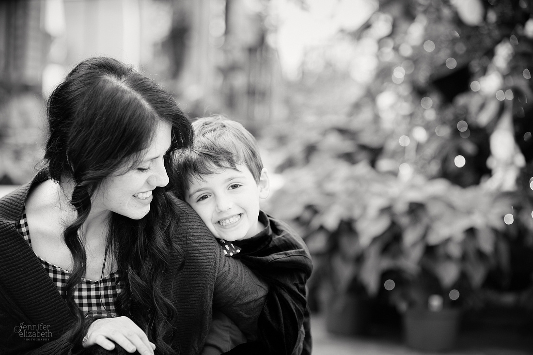 The S Family: Portrait Session at Breezewood Gardens & Gifts