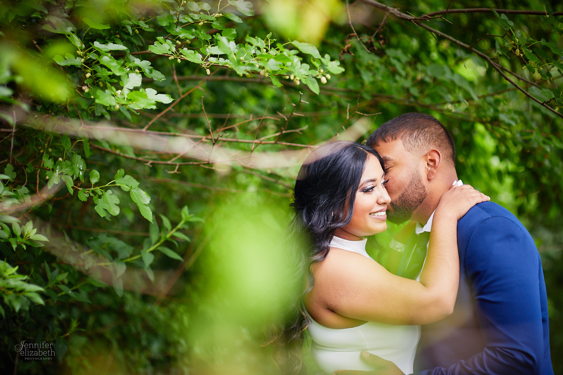 Stephanie & Vick: Wedding Portrait Session in North Olmsted