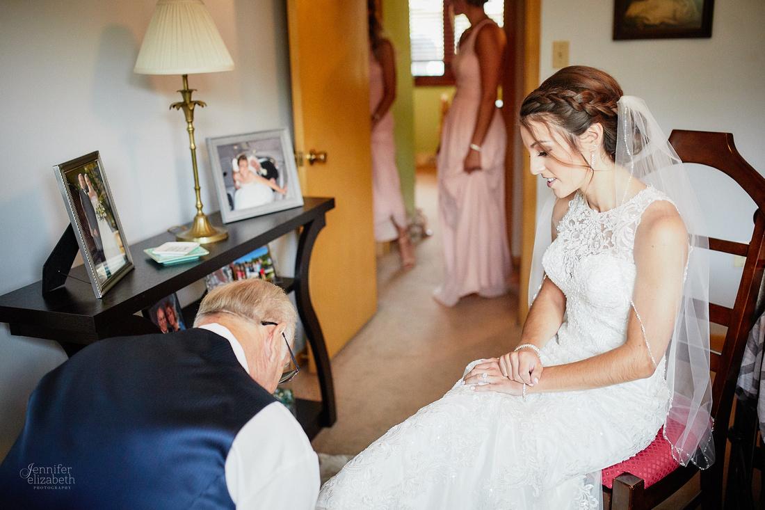 Gina & Allen: Cleveland, Ohio Wedding at St. Anthony of Padua Church