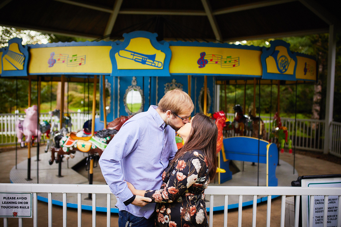 Seleste & Mark: Engagement Session at Schoepfle Gardens