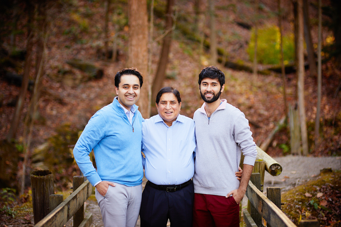 The S Family: Portrait Session at Squire's Castle in Willoughby Hills