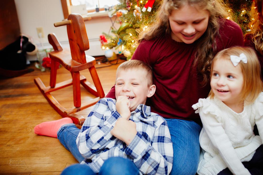 The T Family: Winter Portrait Session in Mantua, Ohio