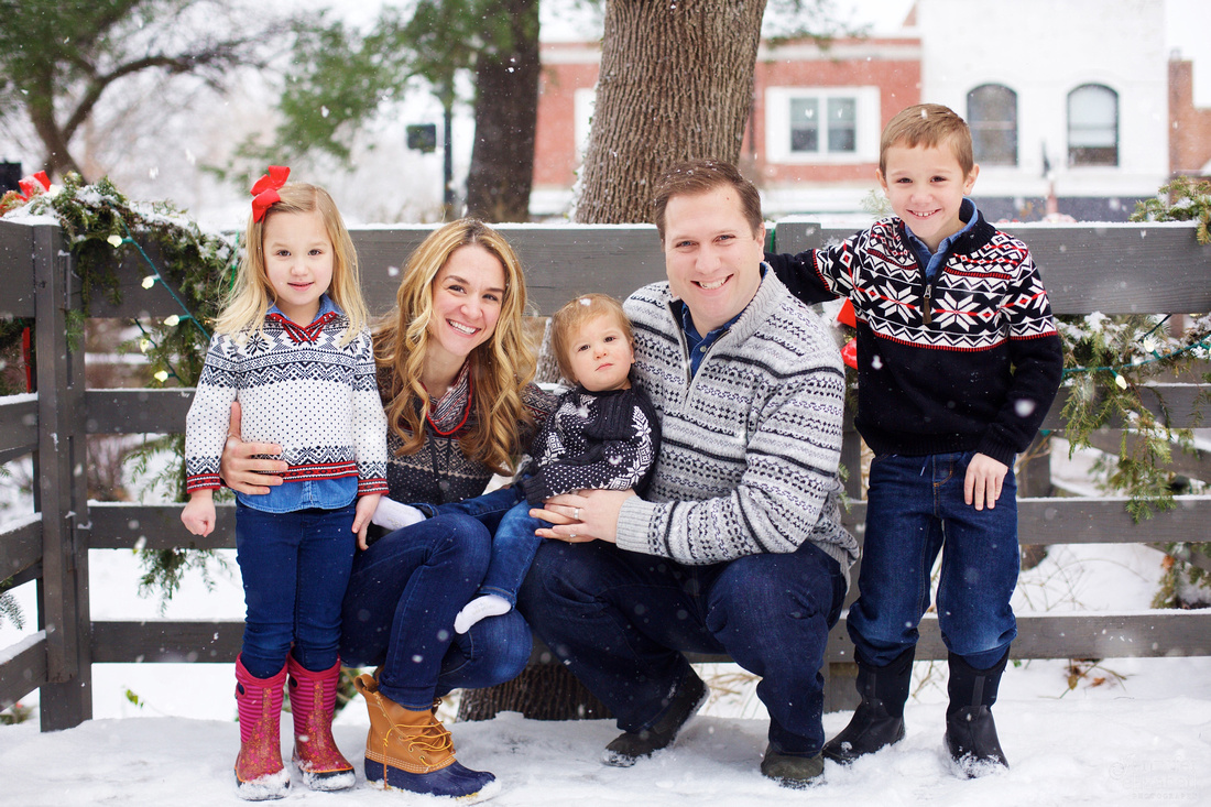 The M Family: Christmas Session in Chagrin Falls, Ohio