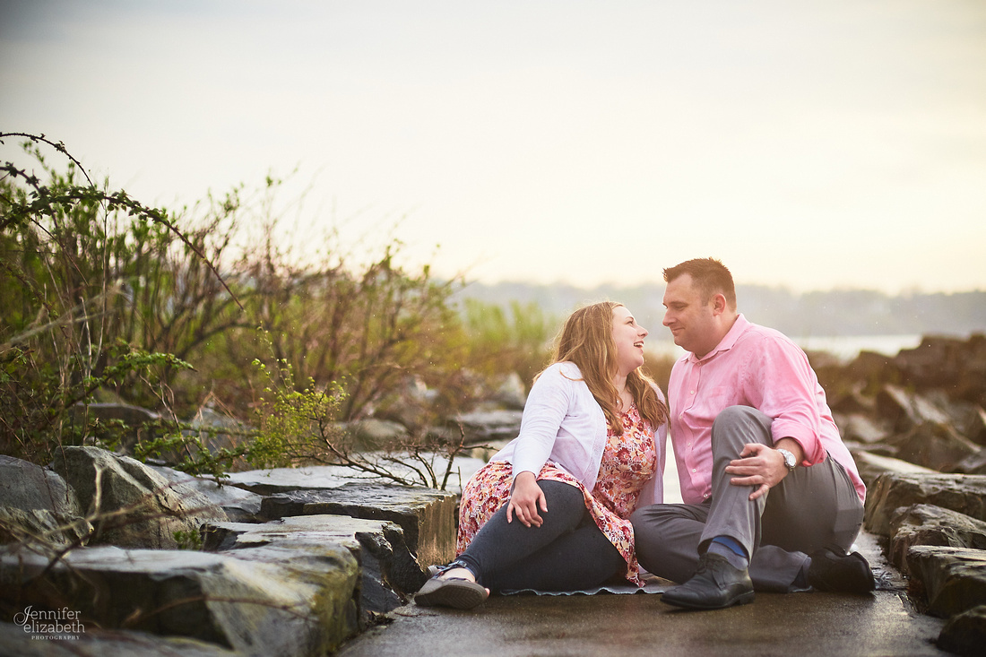 Kaitlin & Derek: Engagement Session at Edgewater Park