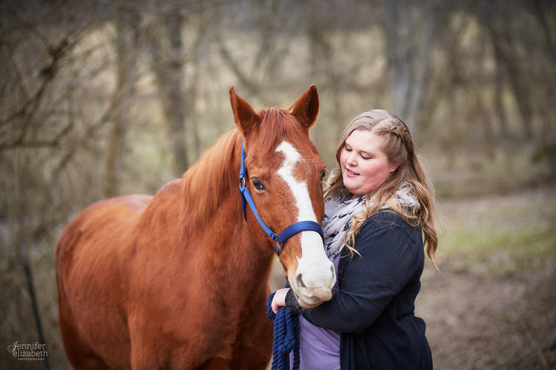 Emily & Colin: Engagement Session with Horse in Xenia, Ohio