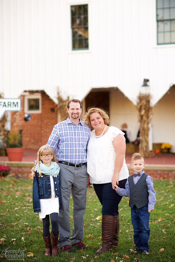 The D & S Families: Portrait Session at Everal Barn in Westerville