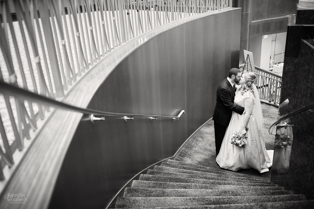 Melissa & Charles: Cincinnati Marriott Rivercenter Wedding