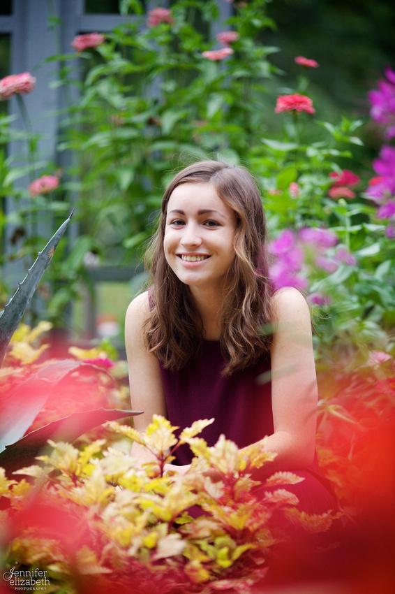 Marissa: Senior Portrait Session at Inniswood Metro Gardens in Westerville, Ohio